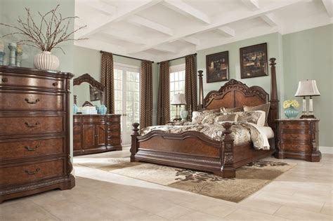 Ledelle Bedroom B705 in Brown w/Poster Bed by Ashley Furniture
