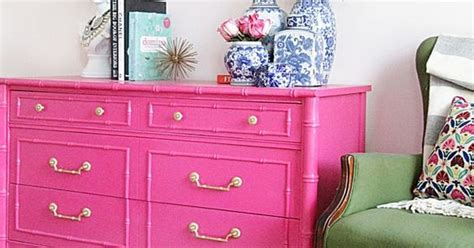 Eye For Design: Decorating With Hot Pink Furniture