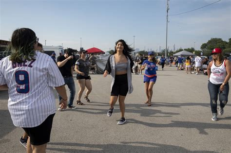 'You can't do this at a bar': White Sox fans revel in the