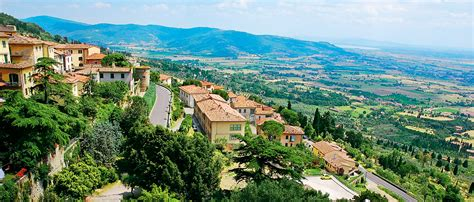 The picture perfect Italian town of Cortona - Outlook