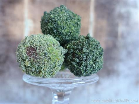 Edible Moss Balls - Cake Pops With Natural Green Food