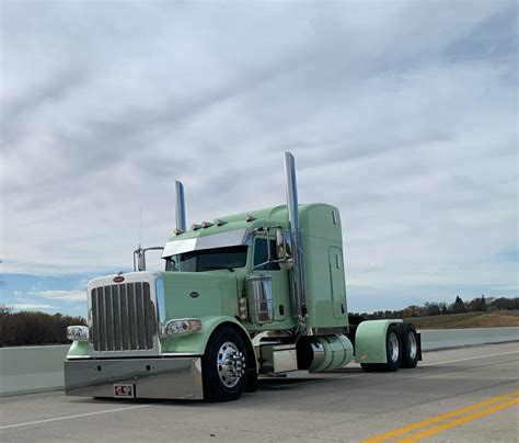 CUSTOM NEW 389 FOR SALE! - Peterbilt of Sioux Falls
