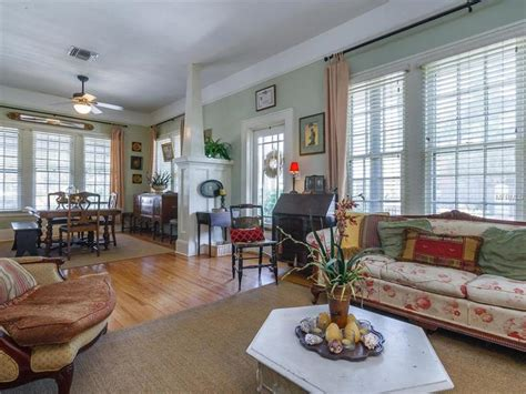 For Sale: 1925 Colonial-Style Bungalow in Downtown