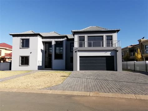 AIDA | 4 Bedroom House For Sale In Savannah Country Estate