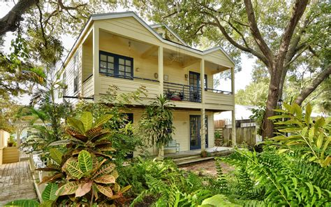 Towles Court in Sarasota : Historic Homes for Sale with