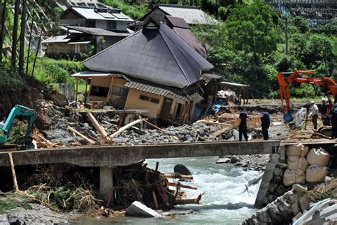Typhoon causes more headaches in flood ravaged Japan - ABC