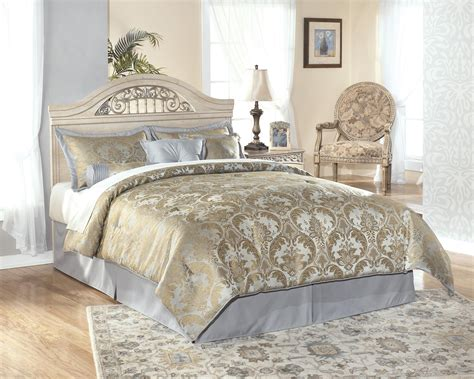 Signature Design by Ashley Catalina Full/Queen-Size