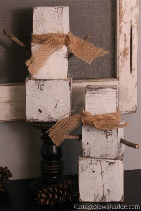 10 Christmas Decorations Made With Pallets